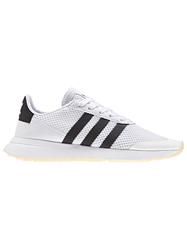 Adidas Flashback (white/core black/white)