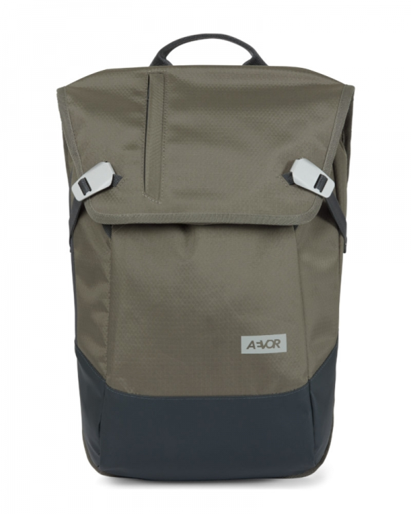 Aevor Daypack Proof (clay)